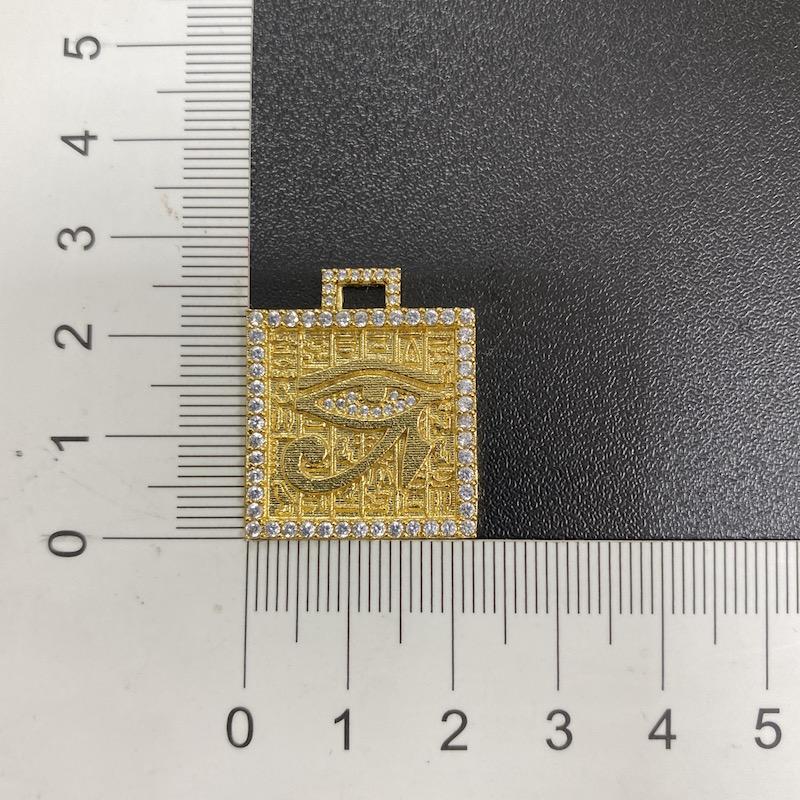 kit Corrente Carrier Arredondada 5mm 60cm (33g) + Pingente Placa Olho de Hórus Cravejado em Zircônia (2,8cmX2,4cm) (7,9g) (Banho Ouro 24k)