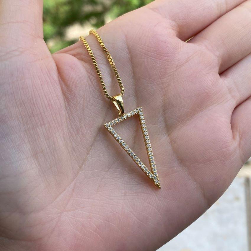 kit Corrente Carrier Cadeado 2mm 40cm (Fecho Tradicional) + Pingente Triângulo Invertido Cravejado em Zircônia