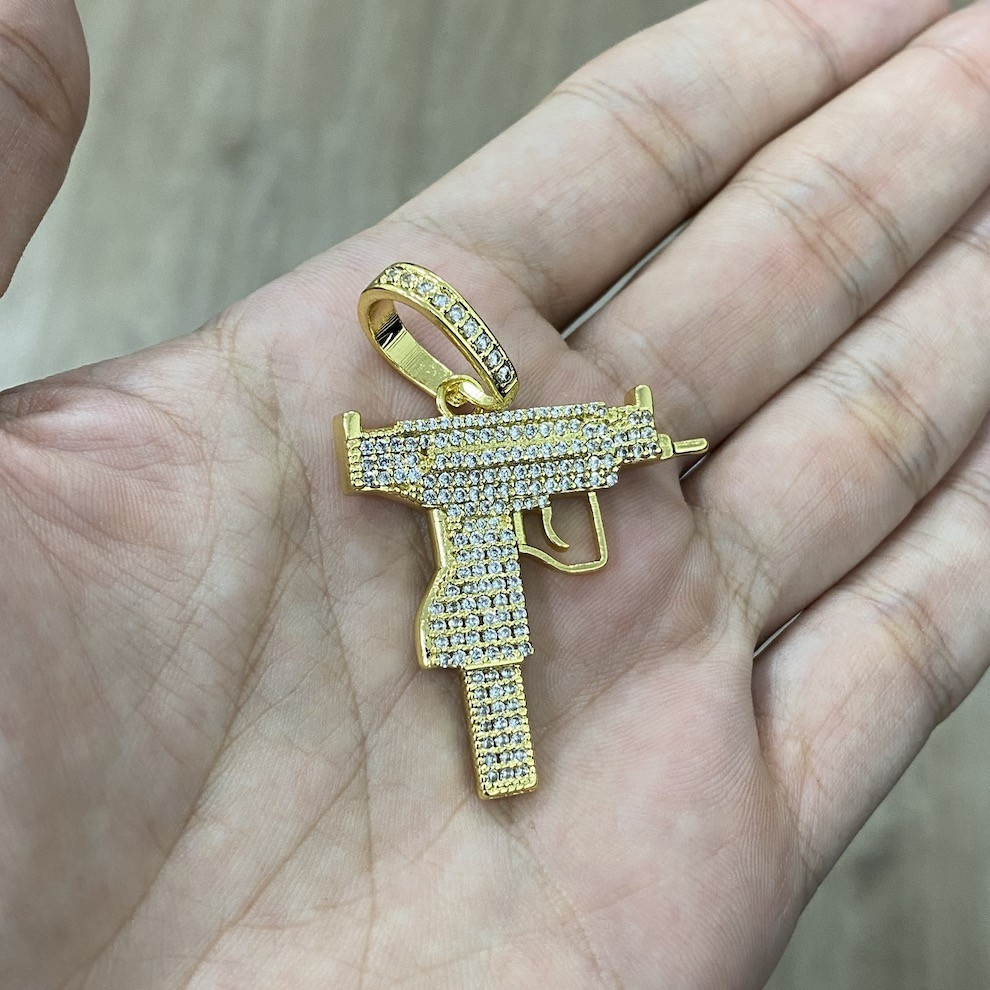 kit Corrente Carrier Cadeado 8,2mm 60cm (35g) (Fecho Gaveta Duplo) + Pingente Cifrão $ Cravejado em Zircônia (Dourado) 4,6cm X 2,9cm 9g