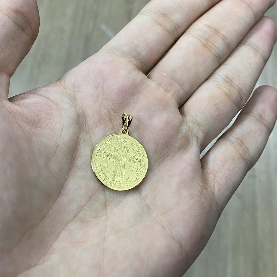 Pingente Medalhão de São Bento (Dupla Face) (2,5cmX2,2cm) (Banho Ouro 24k)
