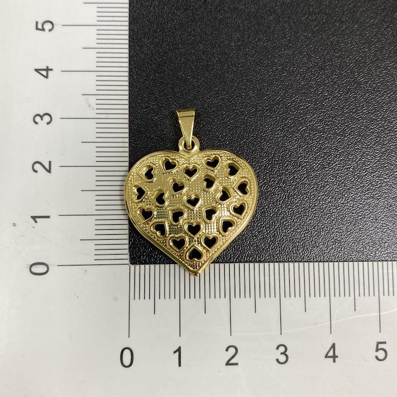 Pingente Coração ''Corações Vazado'' (4cm X 2,8cm) (Banho Ouro 24k)