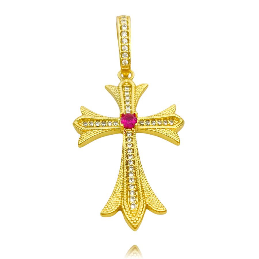 Pingente Crucifixo c/ Pedra Central Vermelha Cravejado em Zircônia (4,5cmX2,9cm) (7,1g) (Banho Ouro 24k)