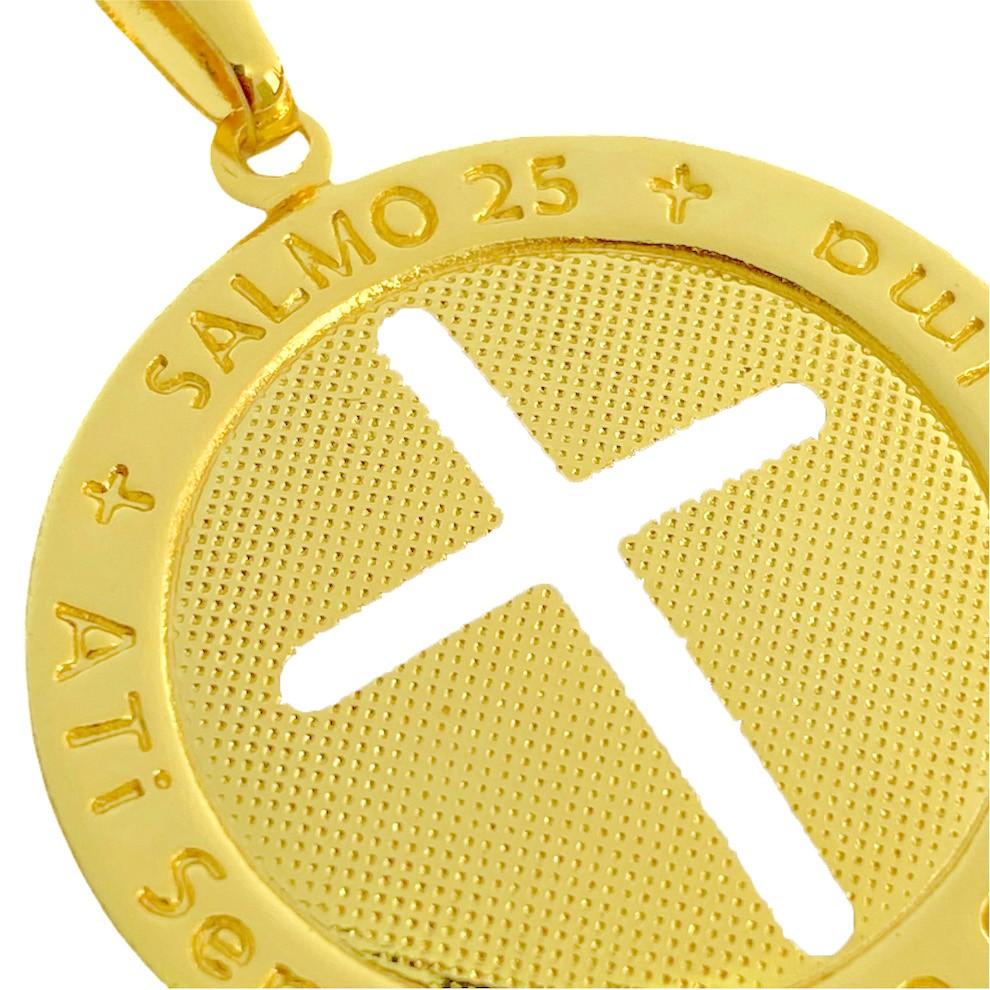 Pingente Medalha Crucifixo Salmo 25 (2,6cmX2,6cm) (Banho Ouro 24k)