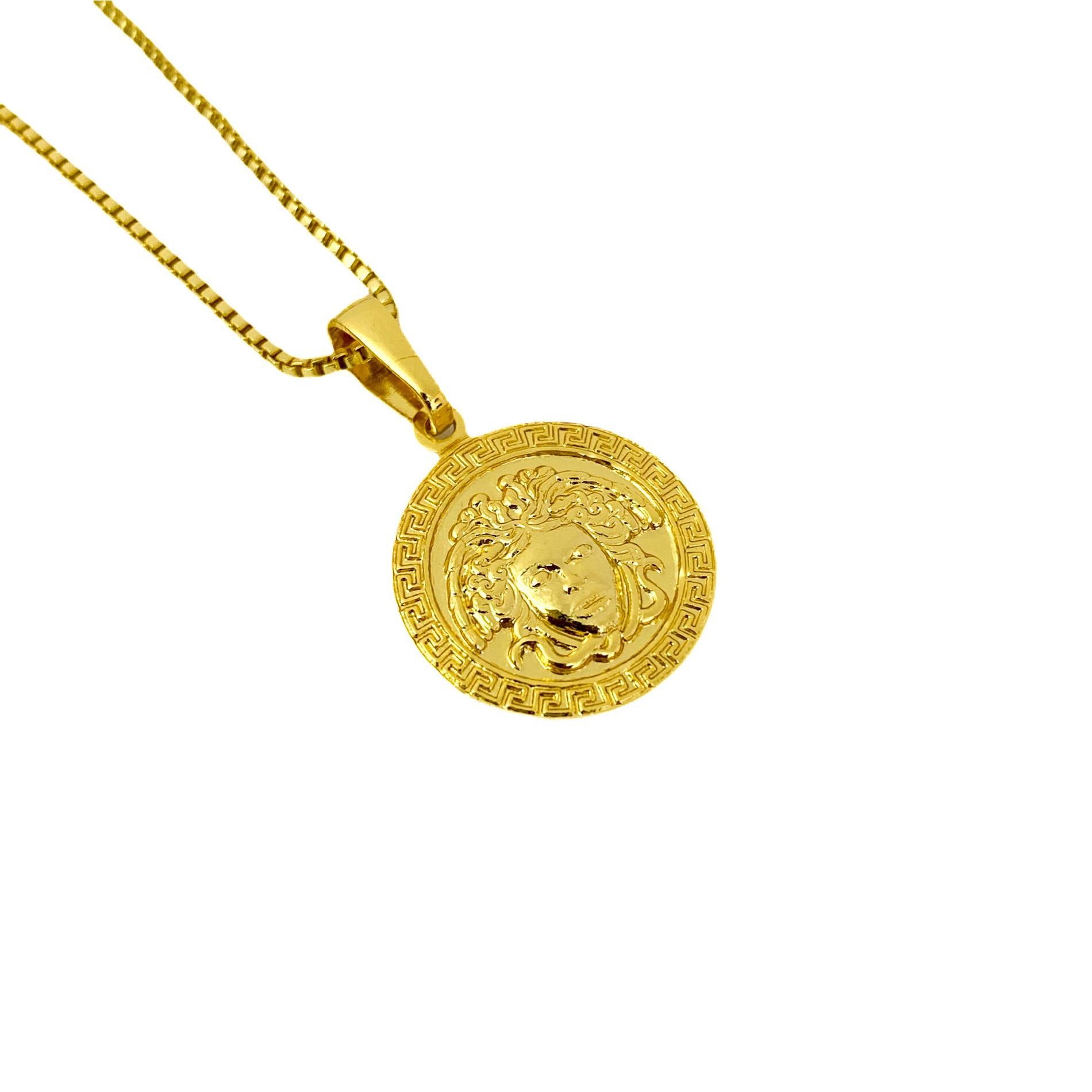 Pingente Medusa Mini (1,6cmX1,4cm) (Banho Ouro 24k)