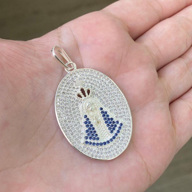 Pingente Nossa Senhora Aparecida Oval Cravejado em Zircônia (4,0cmX3,0cm) (10,2g) (Banho Prata 925)