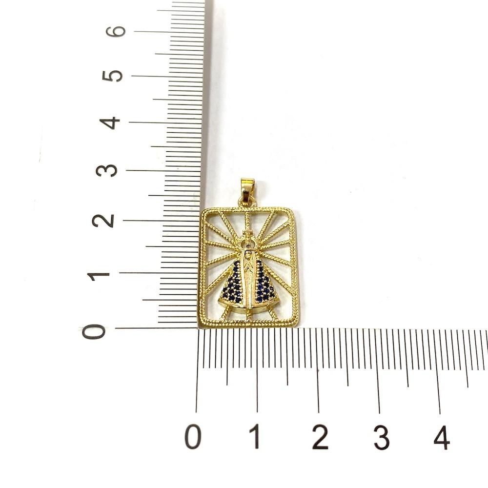 Pingente Nossa Senhora Cravejado Placa Vazada 2,3cm X 1,7cm
