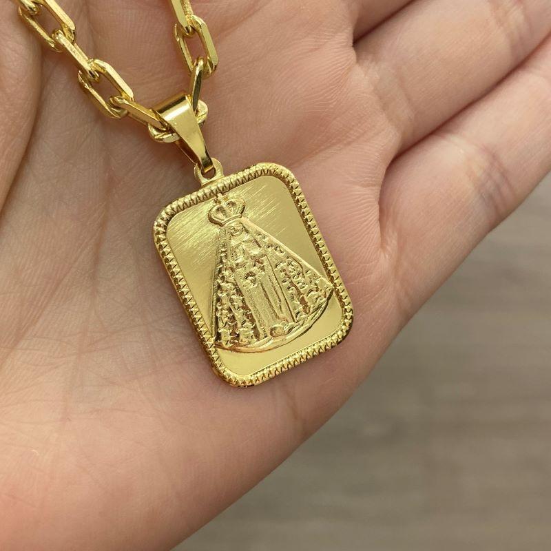 Pingente Placa Nossa Senhora Aparecida 1 (2,6cmX1,9cm) (Banho Ouro 24k)