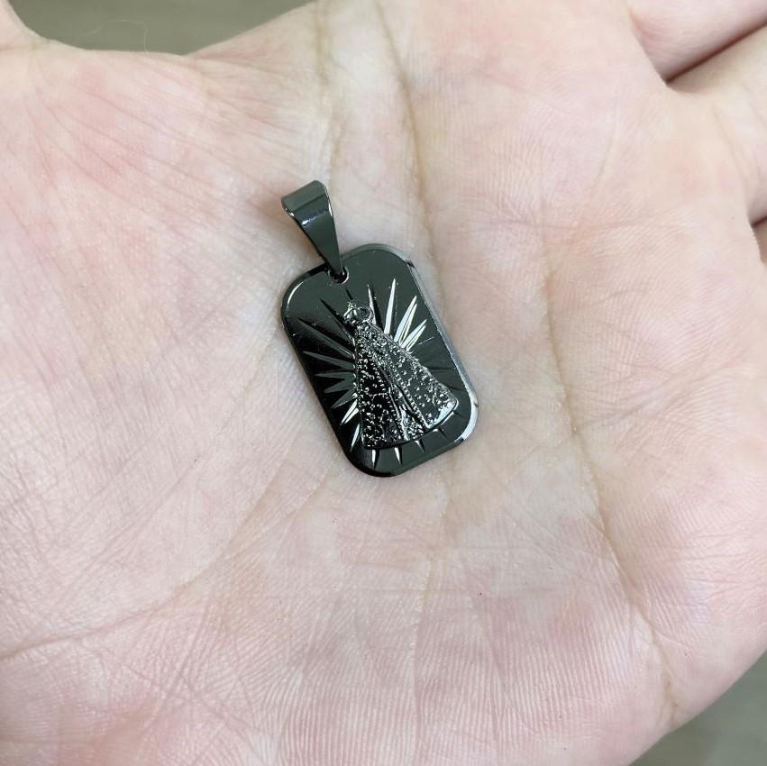 Pingente Placa Nossa Senhora Aparecida (2cmX1,3cm) (Banho de Ônix)