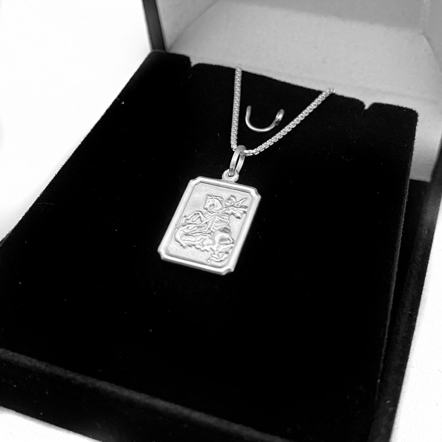 Pingente Placa São Jorge 1,5cm x 1,1cm (Dupla Face) (Prata 925 Italiana)