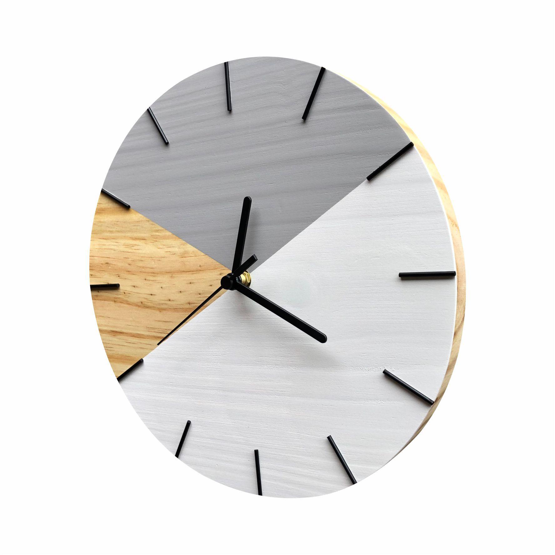 Relógio de Parede Em Madeira Geométrico Cinza e Branco Minimalista com Detalhes Preto