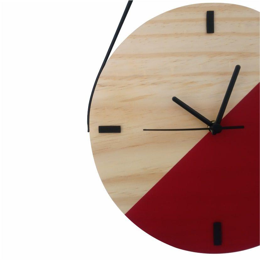 Relógio de Parede Escandinavo em Madeira Vermelho com Alça
