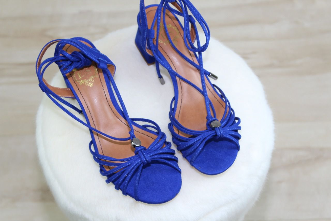 Sandália Luli Azul Klein Bico Redondo Nobuck Tiras