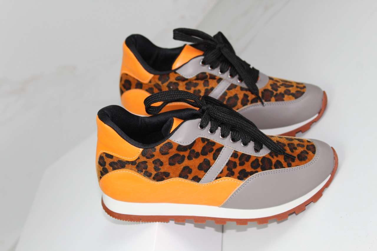 TÊNIS JOGGING ANIMAL PRINT ONÇA