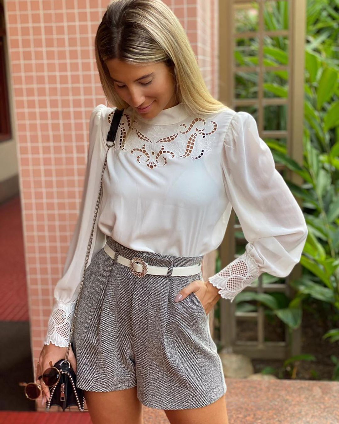 Blusa bordada renda punho