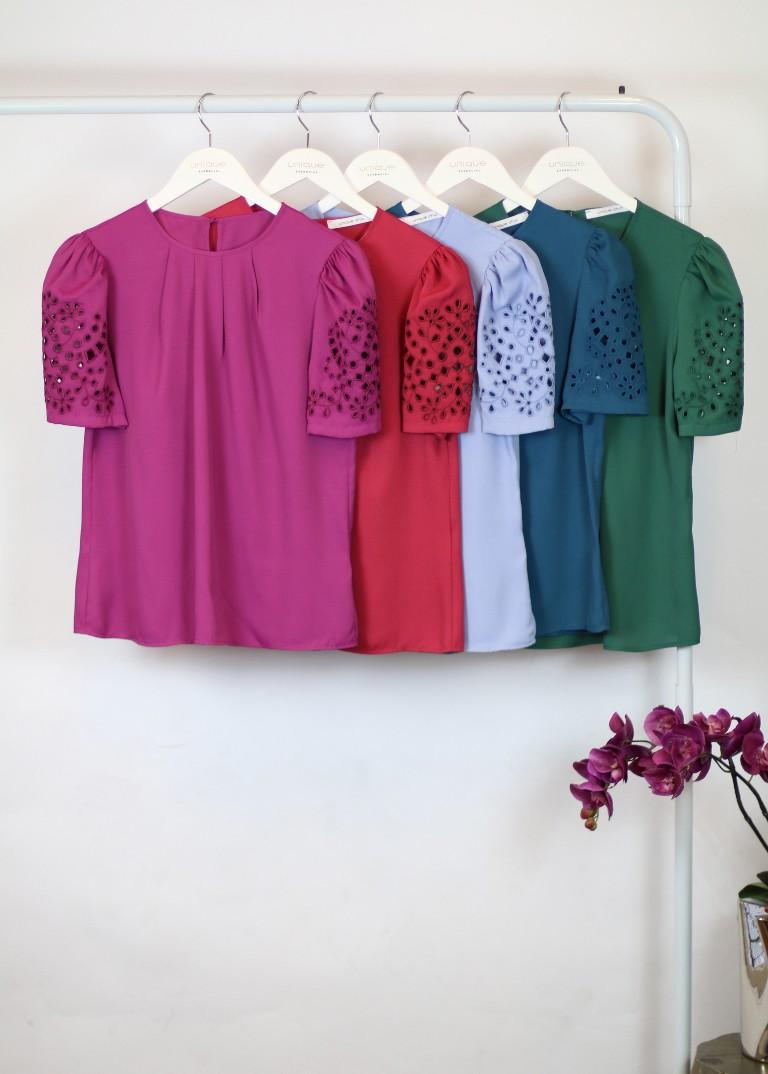 Blusa crepe bordado mangas