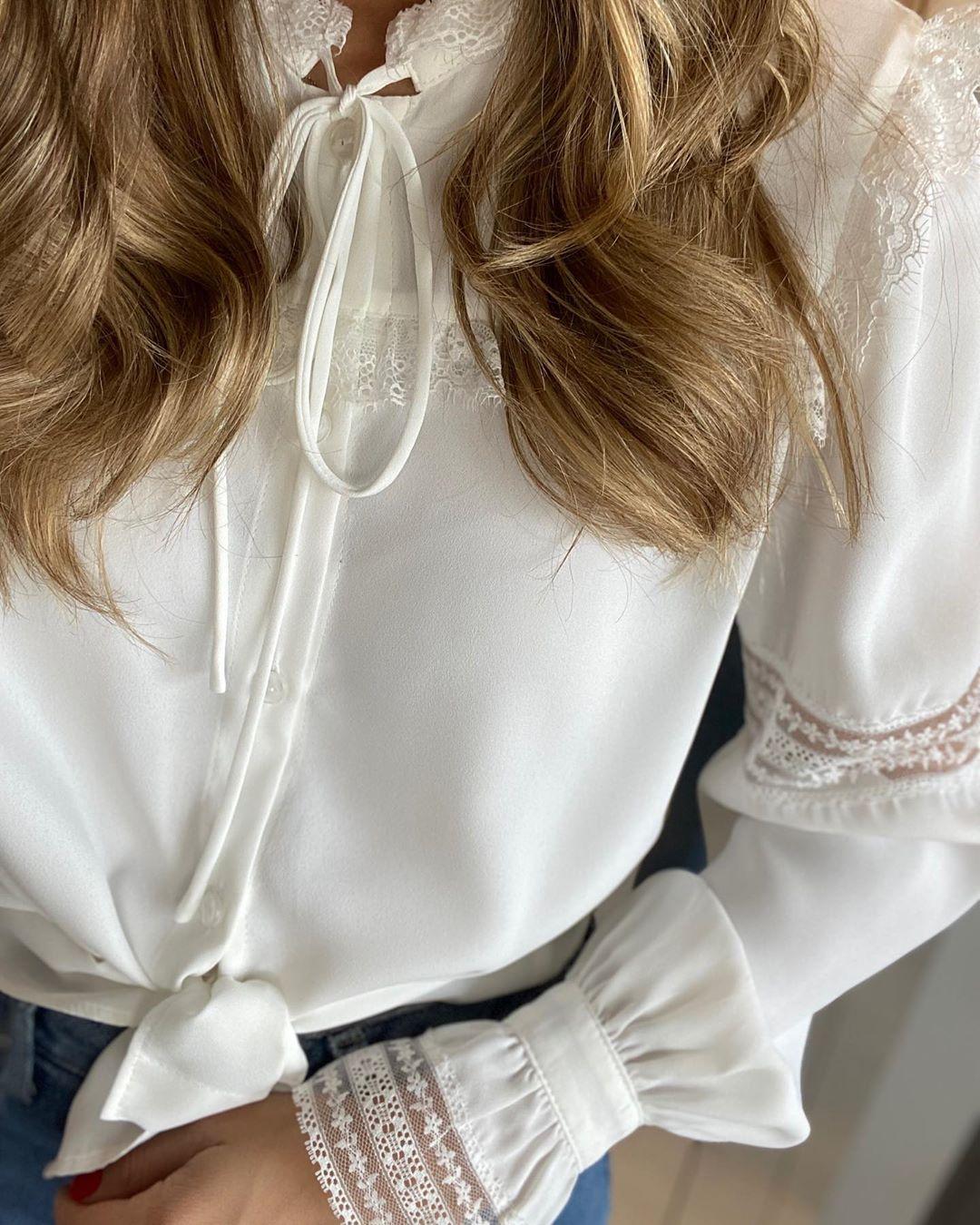 Camisa renda e babados