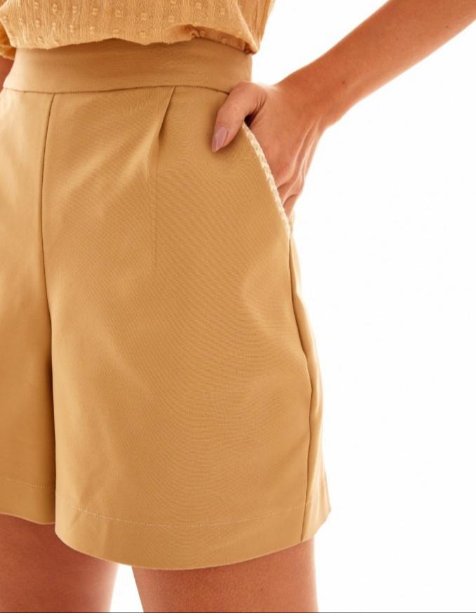 Shorts prega bolso trança