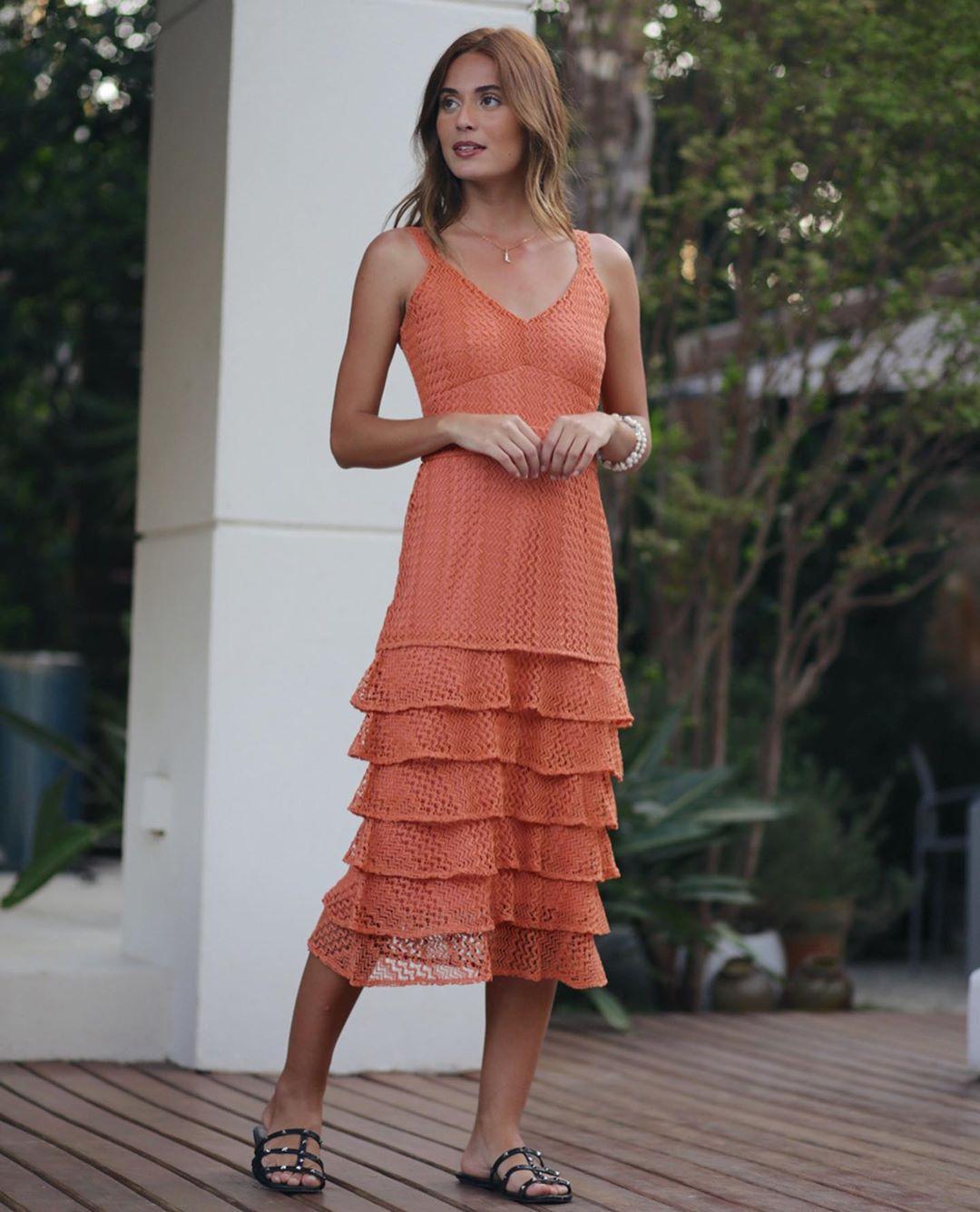 Vestido renda camadas