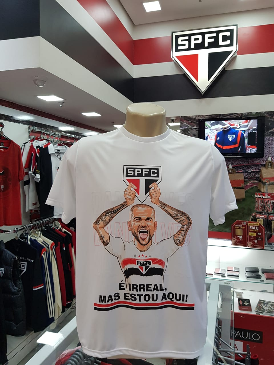 CAMISETA CASUAL DANI ALVES