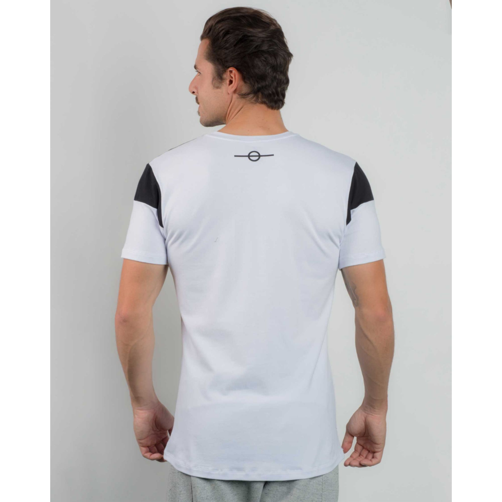 Camiseta Buh Bicolor Metal Black & White