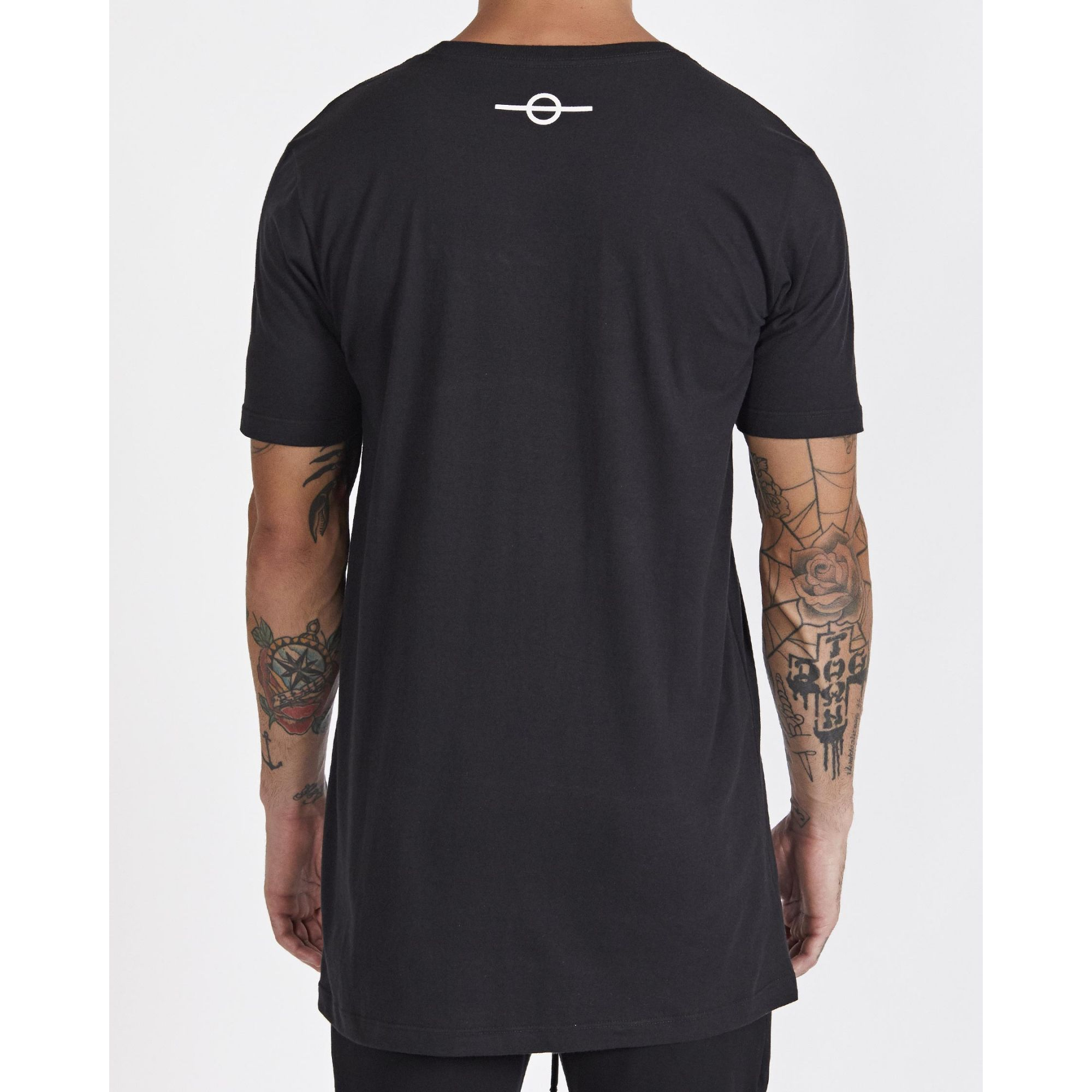Camiseta Buh Bordado Black