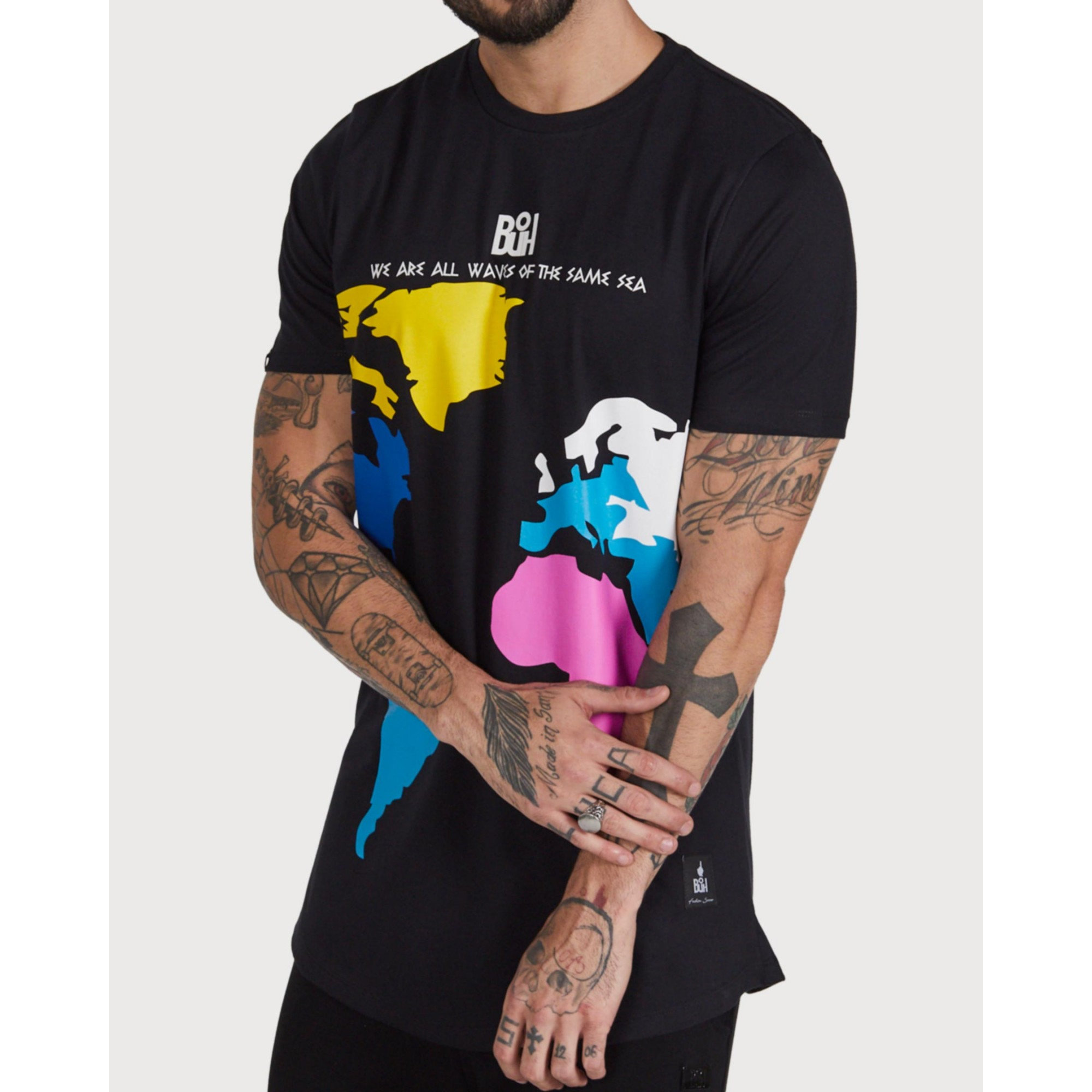Camiseta Buh Color World Black
