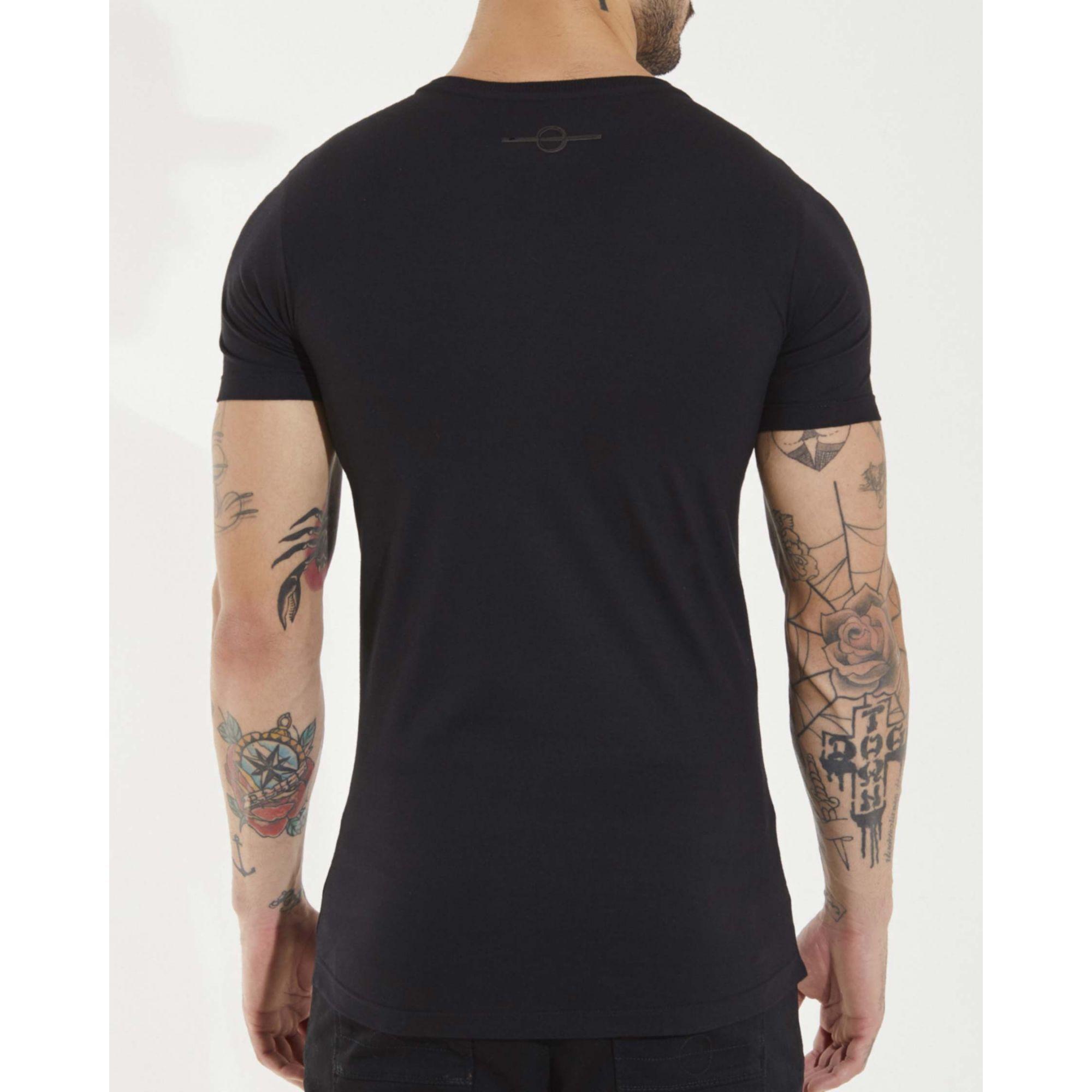Camiseta Buh Dedo Patches Black