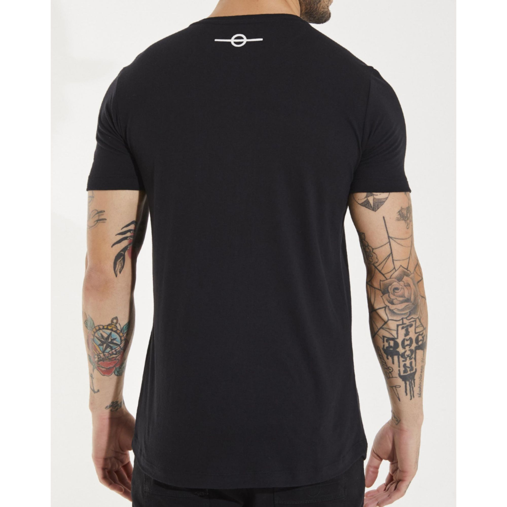 Camiseta Buh Dedo Strass Black