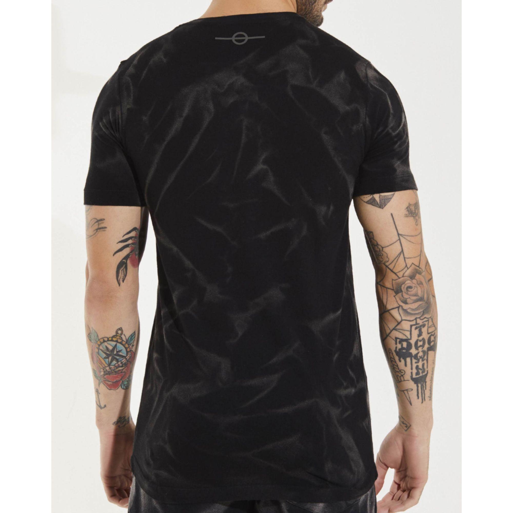 Camiseta Buh Lavada Plaquinha Black