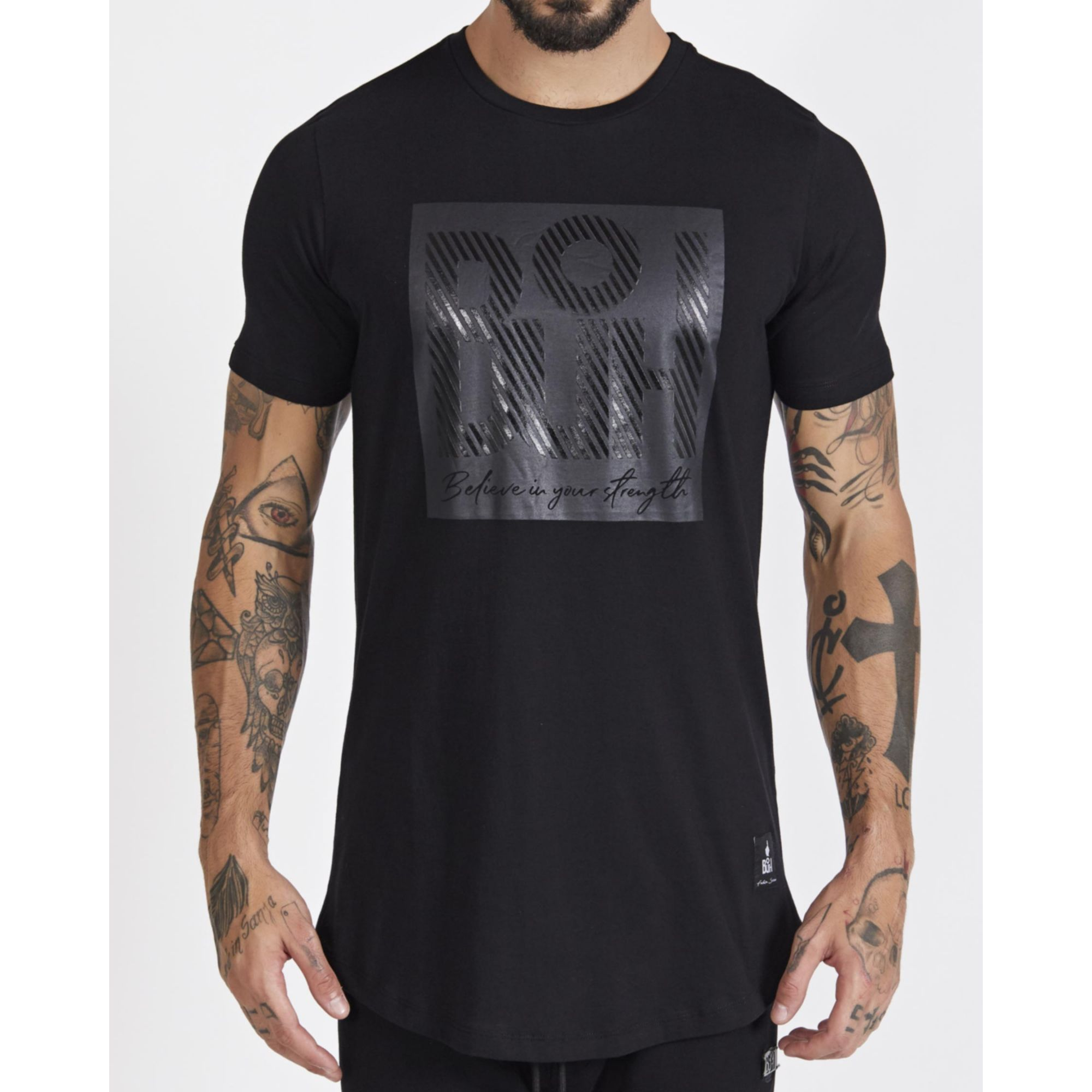 Camiseta Buh Square Believe All Black