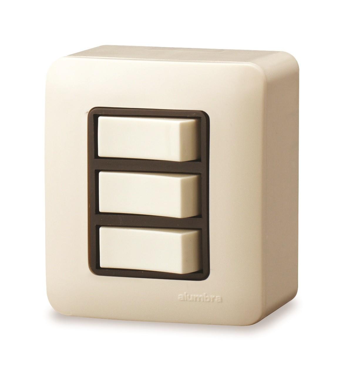 Conjunto De Sobrepor 2 Interruptores Simples +1 Interruptor Paralelo  Elo 10A Com  Placa - Branco - Alumbra - Linha A