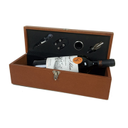 Caixa de Presente com Vinho e Acessórios