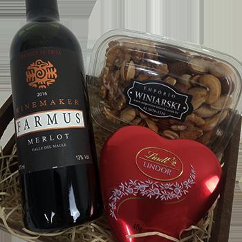 Cesta de Presente com vinho Farmus