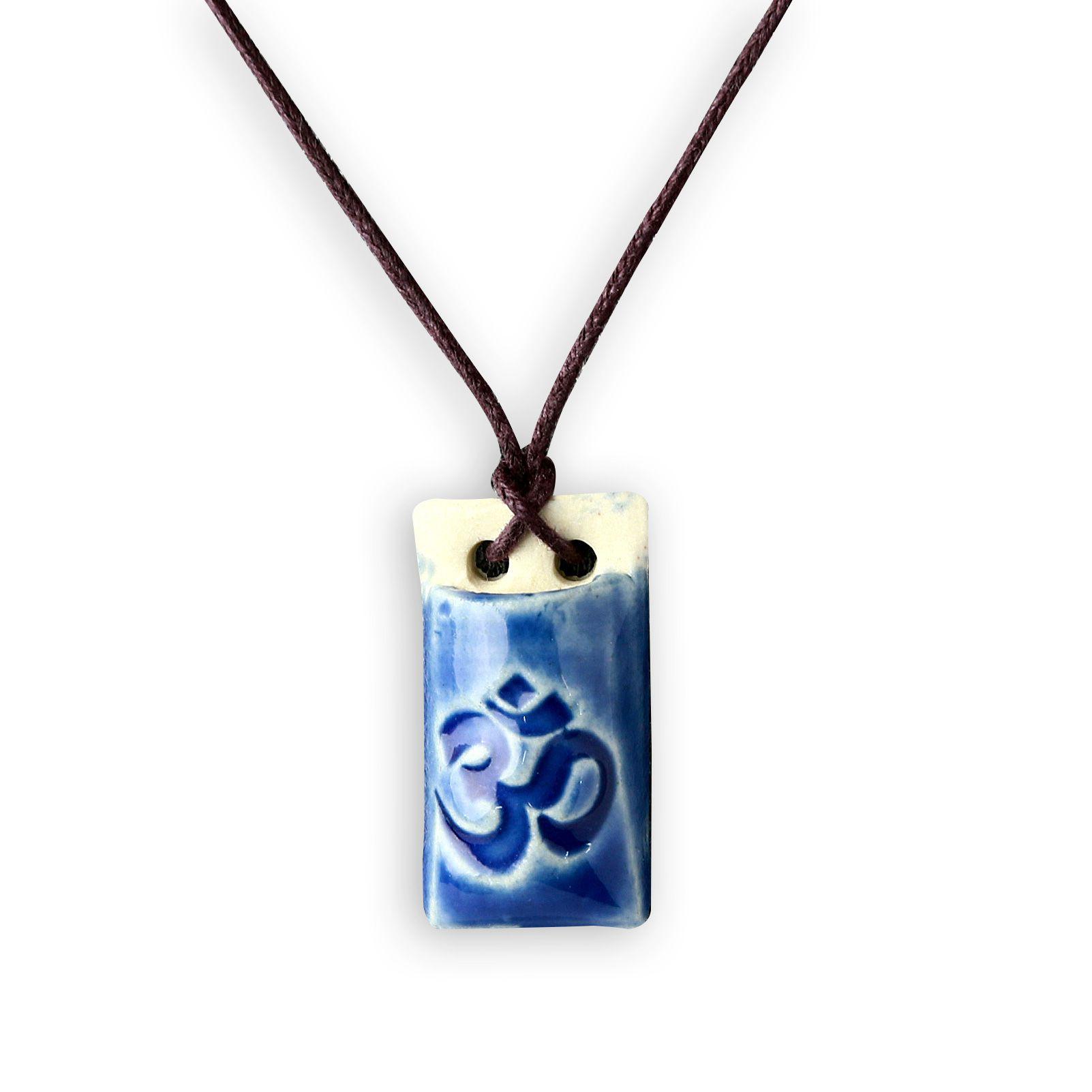 Colar aromático símbolo OM - retangular azul