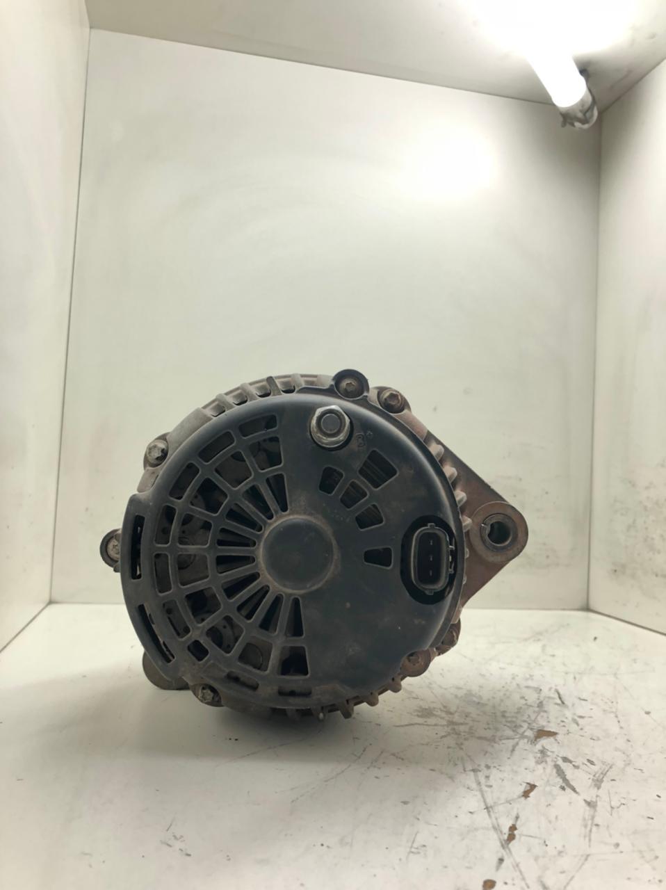 Alternador Iveco 18si 24v 90 Amperes  STRALIS 2002 EM DIANTE  8600498 P8757 C16A213A 504028095 500315943