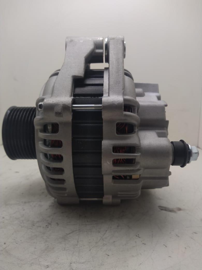 Alternador Iveco Stralis  Eurotech Eurotrakker Mitsubishi 504349338 A004TA8492 E11034266 28v 90 amperes  AEC24047