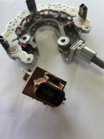 Kit Regulador e Placa Retificadora Ford Focus Denso 1042105780 3m5t10300xd
