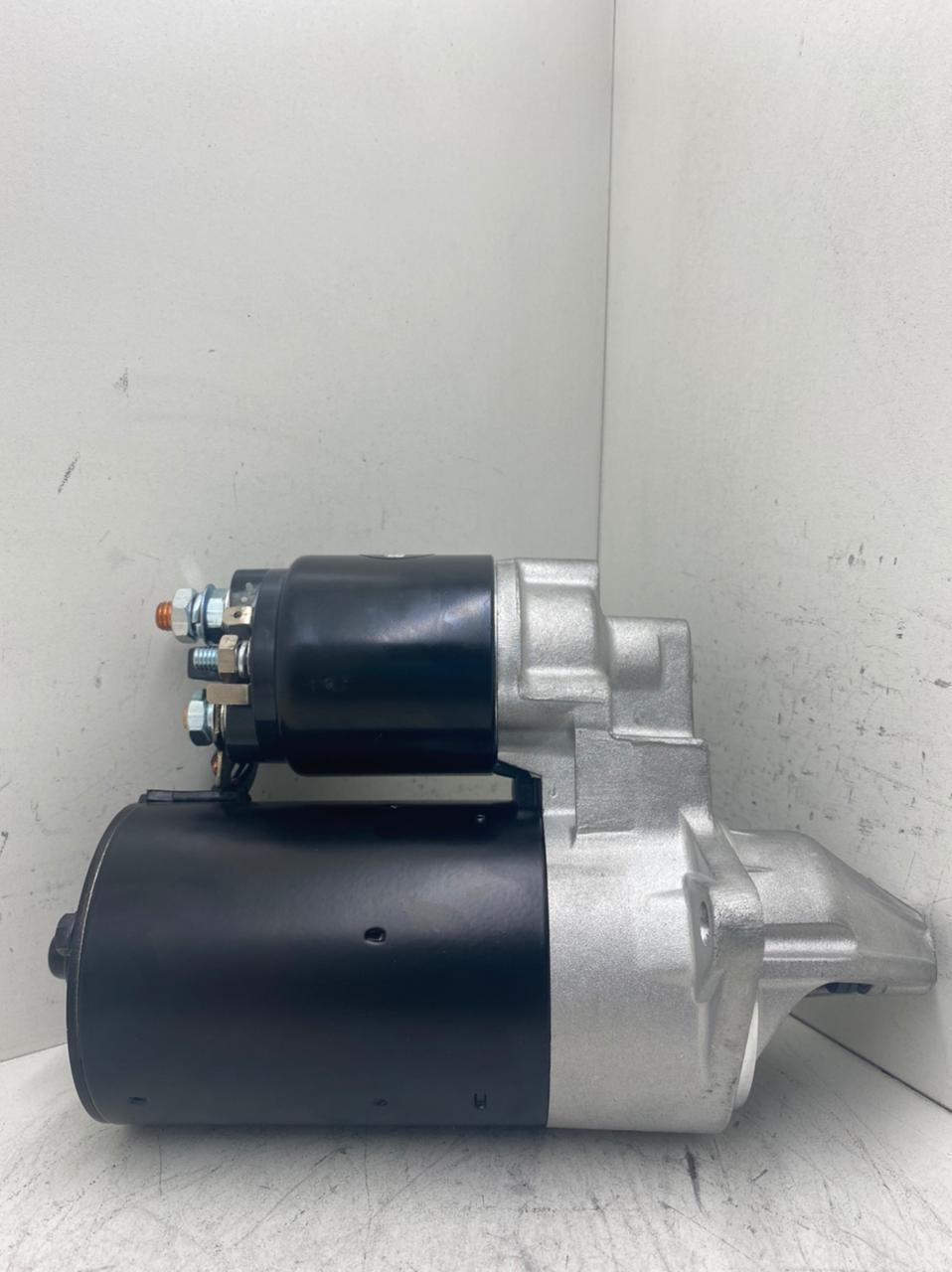 Motor de arranque BOSCH GM CELTA 1.0 1.4 OHC CORSA VHC 12V 9 DENTES 20521 F000AL0304 AEC11026