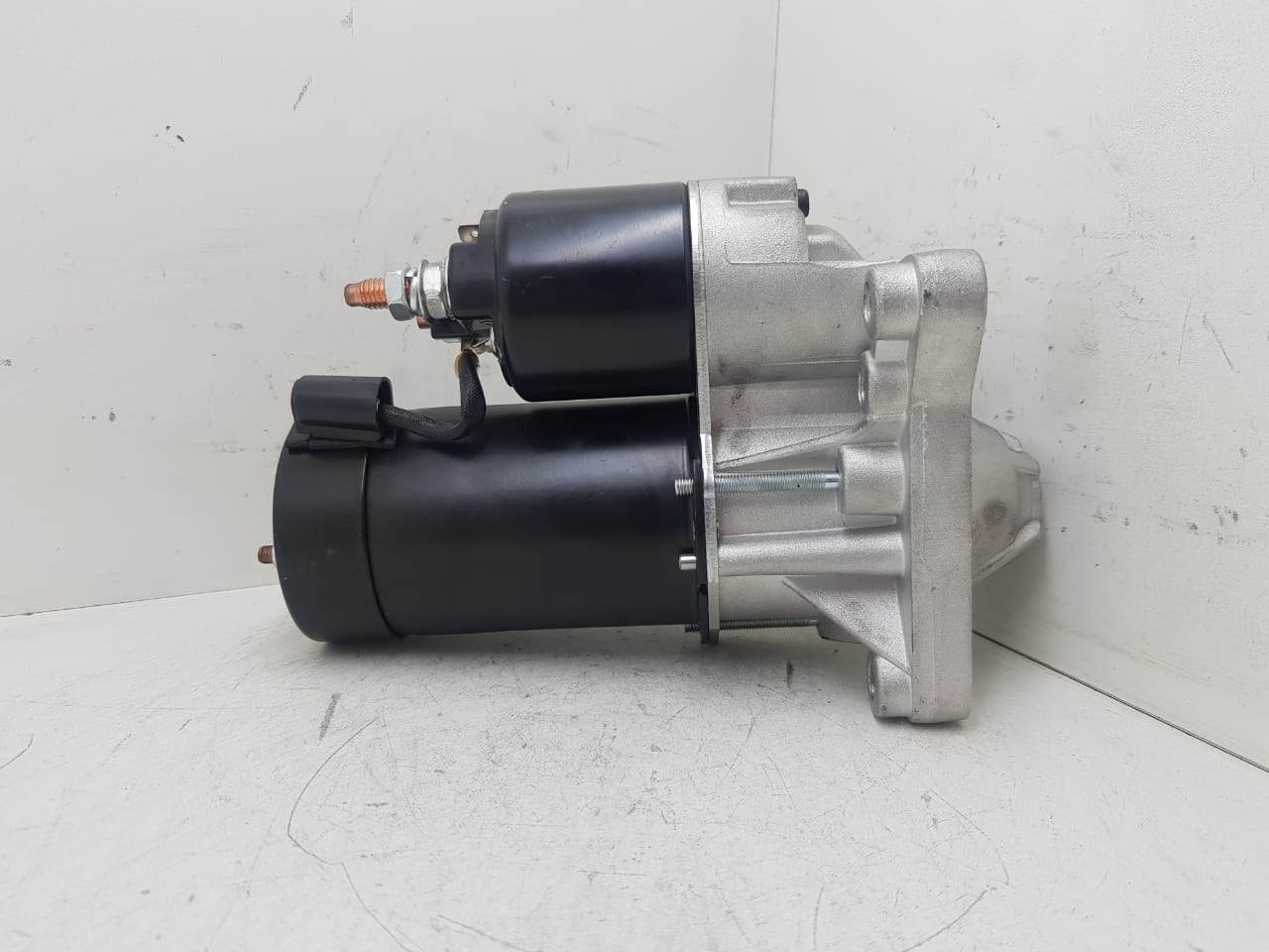 Motor de arranque RENAULT MEGANE LAGUNA SCENIC 12V 10 DENTES D6R4133 20510 0001108143 90000082058 432622  8020101 AEC11038