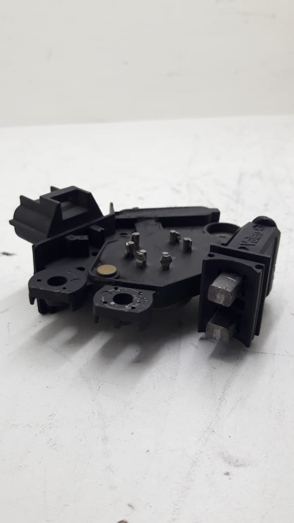 Rotor VALEO 90 Amperes + Regulador de voltagem VALEO 3 saídas SG9B056