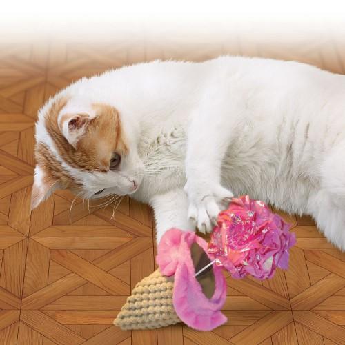 Brinquedo pelúcia Sorvete com Catnip Crackles Gulpz KONG gatos