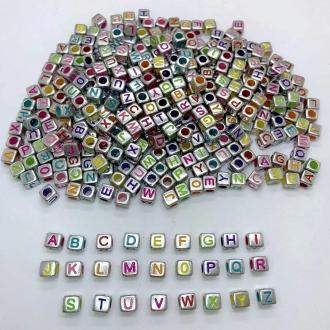 dado letras alfabeto prata e colorido com furo 6mm 200 unidades