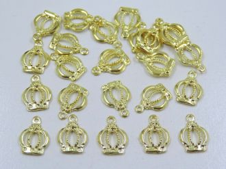 pingente coroa dourada 15x17mm 24 unidades