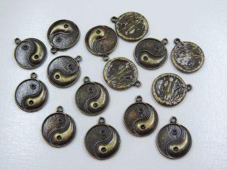pingente medalha yin yang 24x20mm 6 unidades