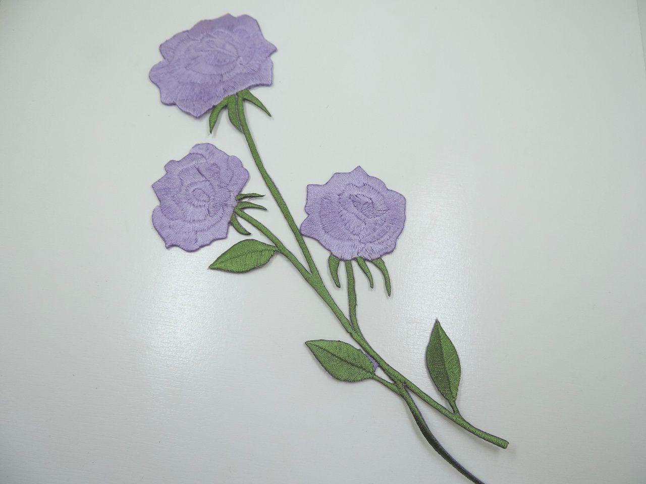 aplique termocolante flores lilás 25x10cm unitário