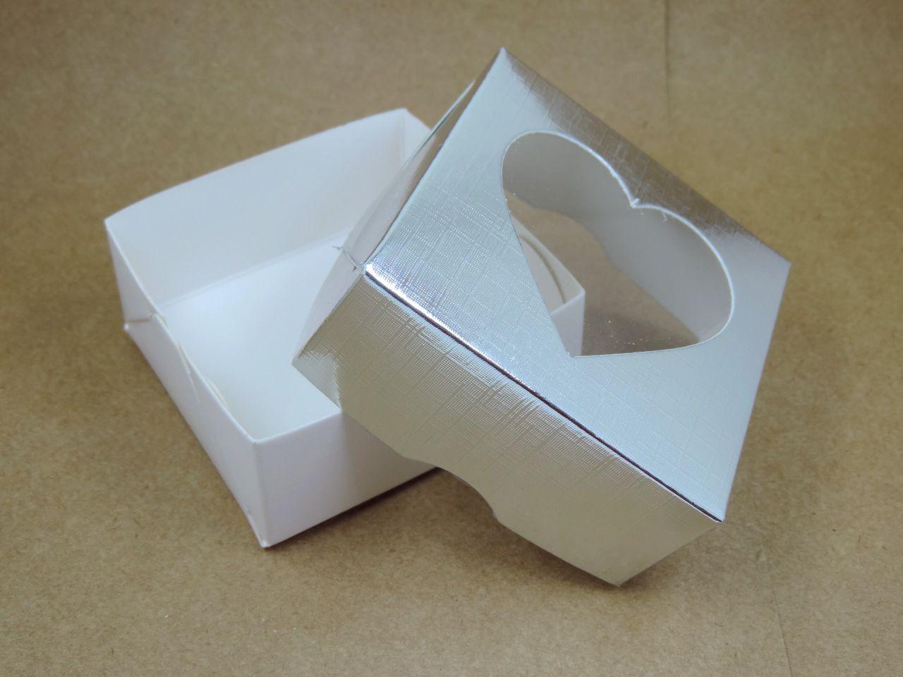 caixinha de papel coração prata 3x7cm 10 unidades