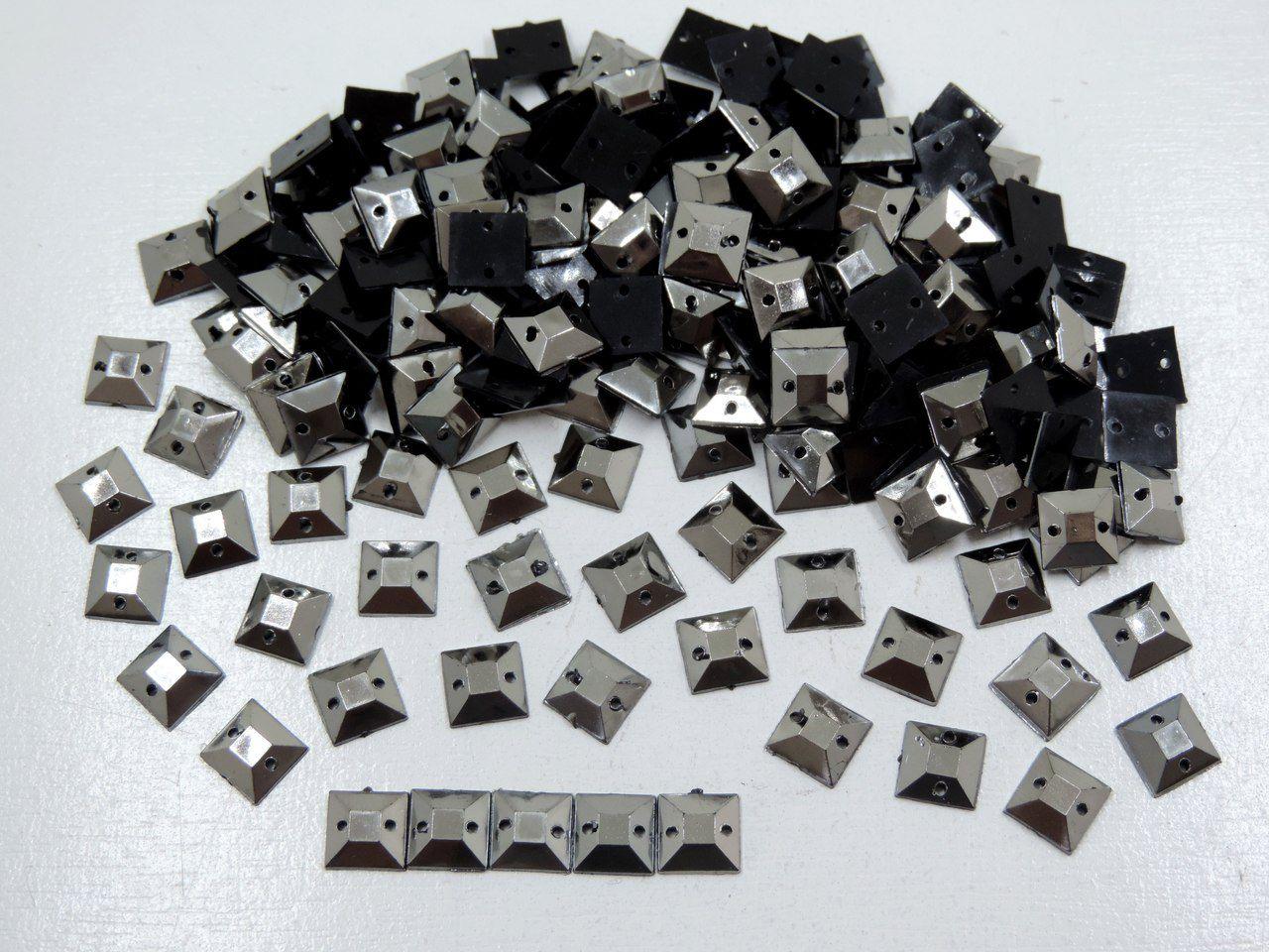 chaton quadrado liso 8mm com furo 200 unidades