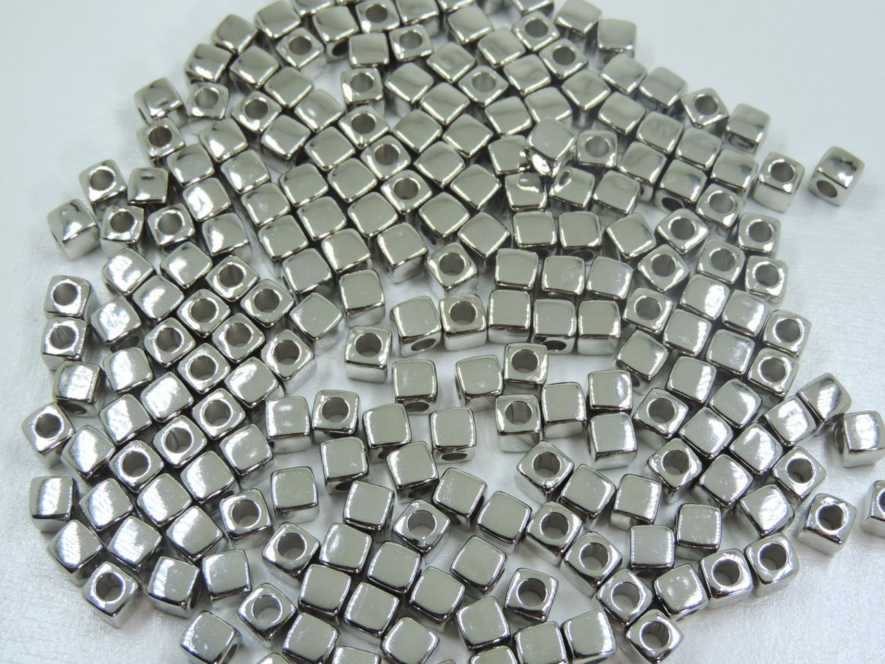 entremeio quadrado prata 7mm abs 24 unidades