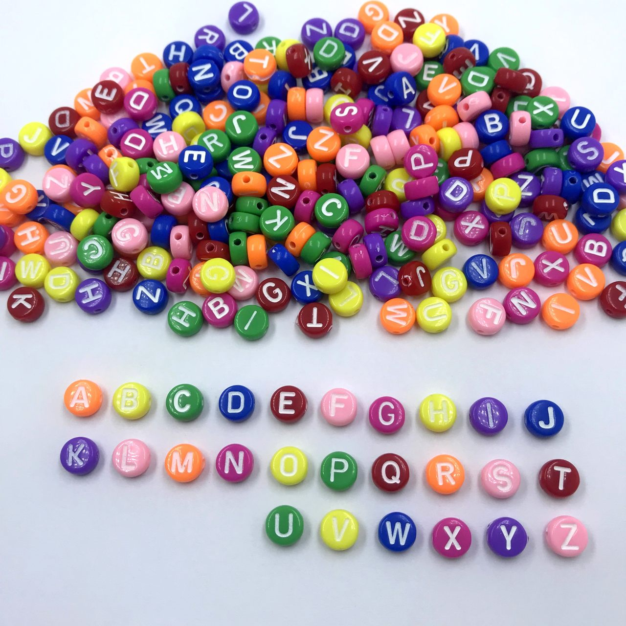 miçanga letras alfabeto colorido redondo com furo 6mm 100 unidades