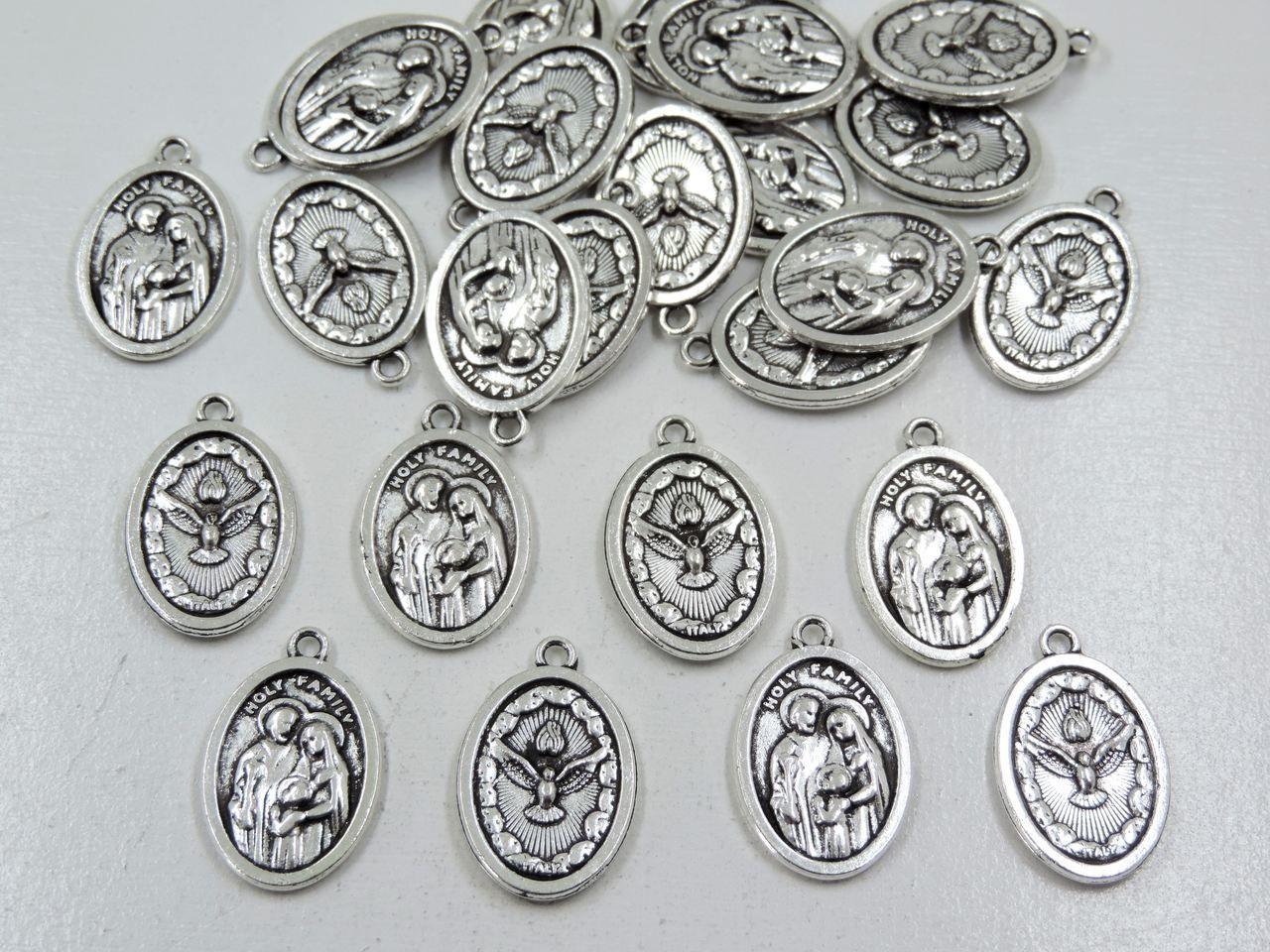 pingente medalha sagrada família e divino espírito santo 24 unidades